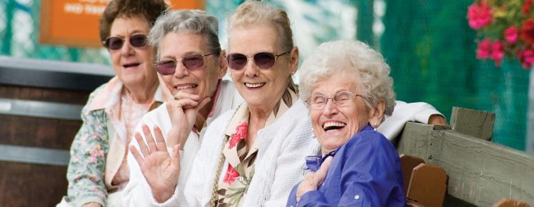 senior-trips-happy-seniors